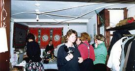 Konur kveðja Víkina í maí 1988. Guðrún Jónsdóttir