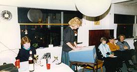 Kristín Ástgeirsdóttir, María Jóhanna Lárusdóttir í ræðupúlti, Ingibjörg Hafstað og Ína Gissuradóttir í kveðjuhófi