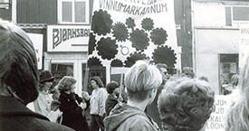 Samtök kvenna á vinnumarkaði enda mótmælagöngu fyrir utan Víkina 1984