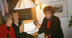 Uppstillinganefnd fyrir kosningarnar 1990. Sigrún Sigurðardóttir, Hólmfríður Garðarsdóttir og Magdalena-Schram. Kristínu Jónsdóttur vantar á myndina